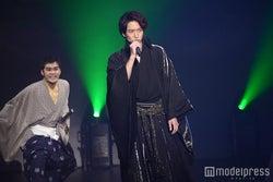 名シーンの再現/浅香航大(C)モデルプレス