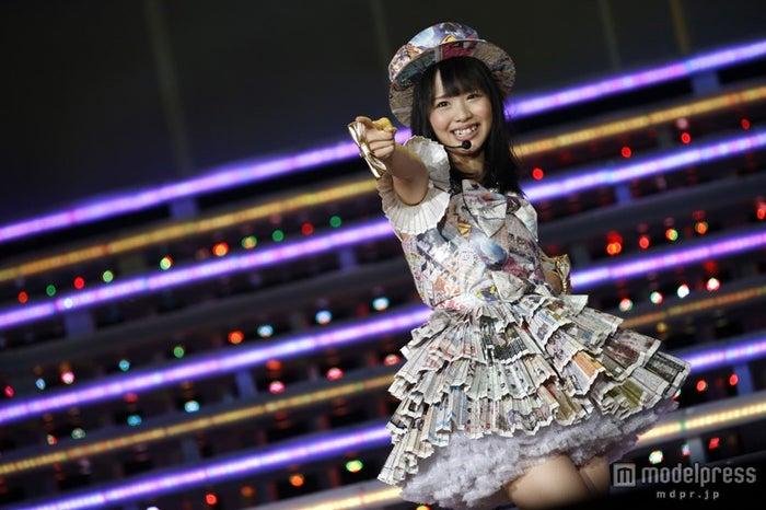 松村香織/「AKB48 2013 真夏のドームツアー~まだまだ、やらなきゃいけないことがある~」ナゴヤドーム公演初日より(C)AKS