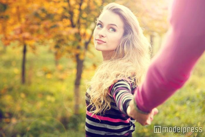 あなたの言動で男性の気持ちを掴めるかも(photo-by-Maryia-Bahutskaya/Fotolia)