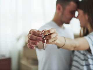 結婚前の同棲は婚期が遠のく?彼が結婚に踏み切らない3つのワケ