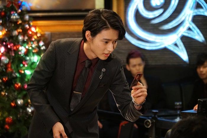 「トドメの接吻」第1話より(C)NTV