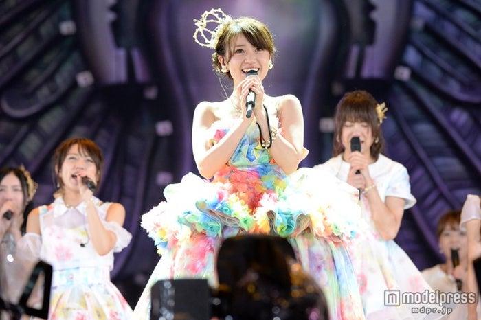 卒業コンサートを開催した大島優子(C)AKS