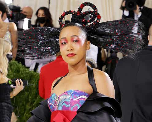 大坂なおみ「メットガラ」でビリー・アイリッシュらと共同ホスト務める 日本&ハイチ彷彿とするゴージャスドレスで登場