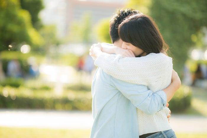 破壊力抜群!男性が「めちゃくちゃ抱きしめたい」と悶絶する胸キュンテク4つ/photo by ぱくたそ