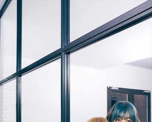 デビュー25周年のPUFFY「結局、由美ちゃんとしゃべってるのが一番面白いんですよね」