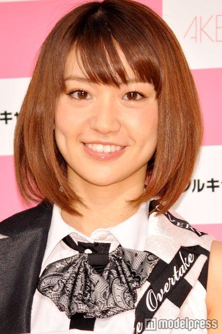 会見に登場したAKB48大島優子