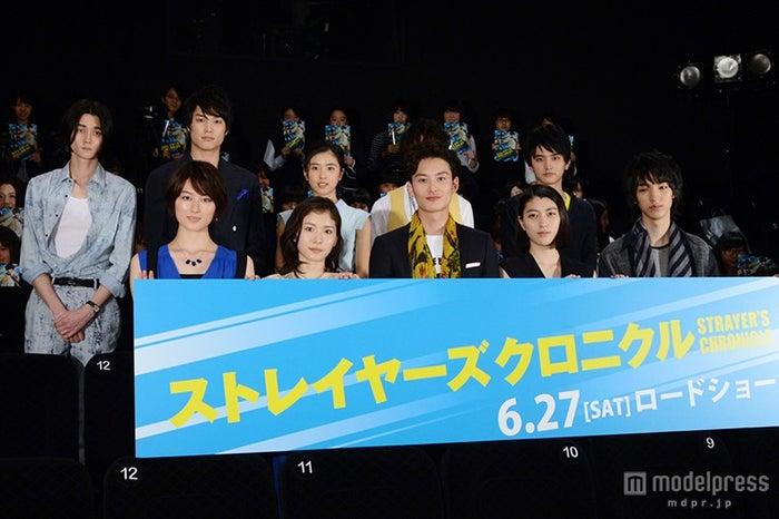 (後列左より)栁俊太郎、鈴木伸之、黒島結菜、白石隼也、瀬戸利樹(前列左より)高月彩良、松岡茉優、岡田将生、成海璃子、清水尋也