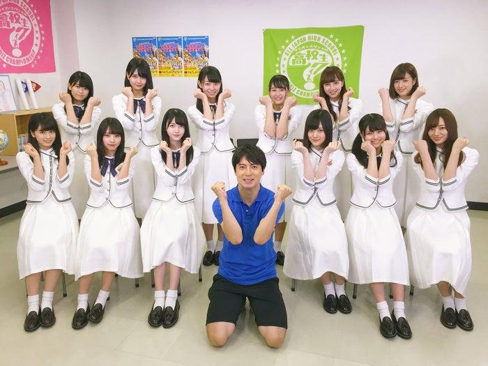 乃木坂46&桝太一アナウンサー(C)日本テレビ