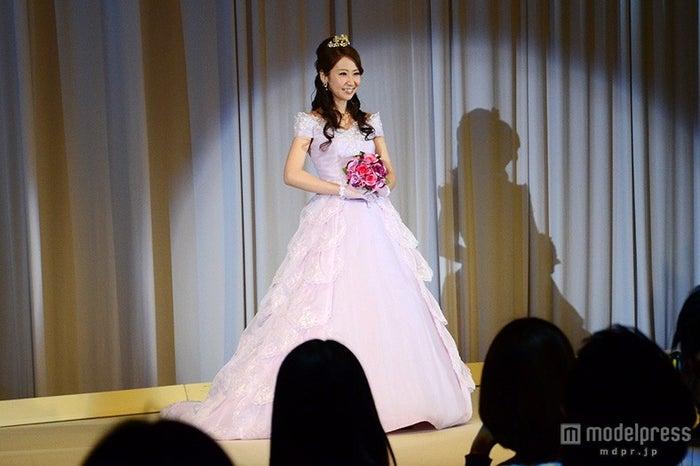 オーロラ姫をイメージしたカラードレス