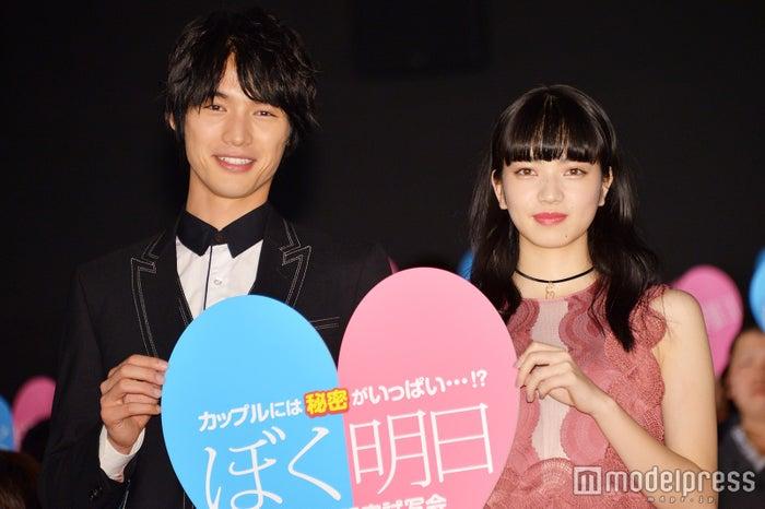 映画「ぼくは明日、昨日のきみとデートする」試写会より/福士蒼汰、小松菜奈 (C)モデルプレス