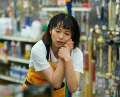 清野菜名の超絶カンフー!『DIVOC-12』より『死霊軍団 怒りのDIY』の冒頭映像が公開