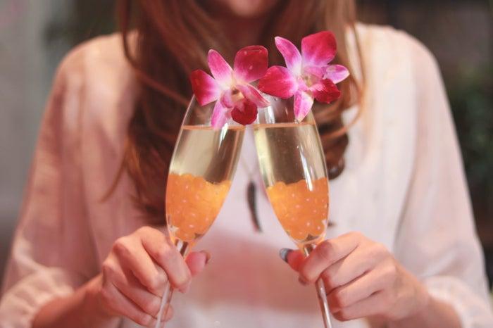 飲み会で男性が胸キュンしちゃう女性の行動5選 お酒を味方につけて!/photo by GIRLY DROP