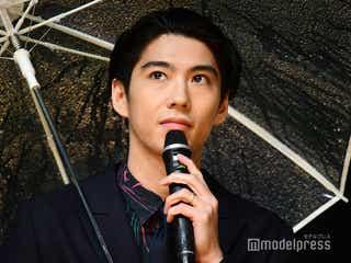 賀来賢人、中村倫也は「非常にファニーな男」