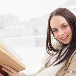モデルプレス - 笑う時は口を手で覆うのが鉄則!「雰囲気可愛い女子」が守っている5つのルール