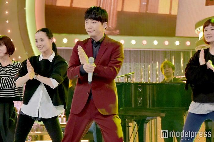 恋ダンスを踊る星野源/「第67回 NHK紅白歌合戦」リハーサルにて (C)モデルプレス