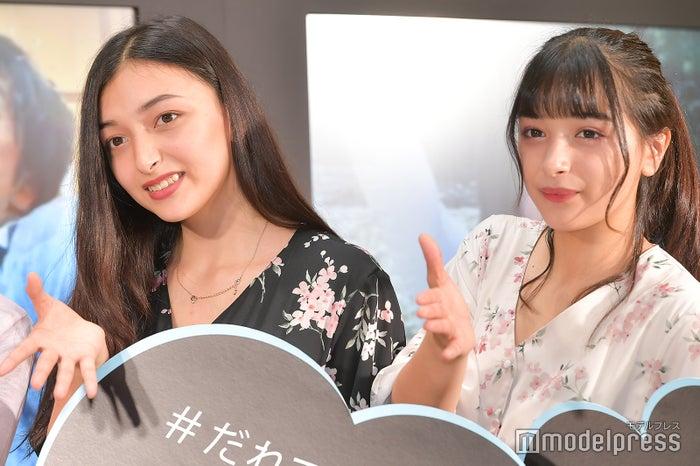 (左から)エリカ、マリナ (C)モデルプレス
