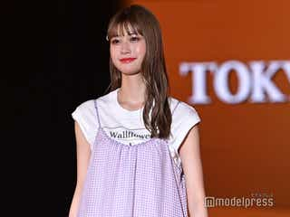 生見愛瑠、春っぽロングワンピでキュートな笑顔<TGC2021 S/S>