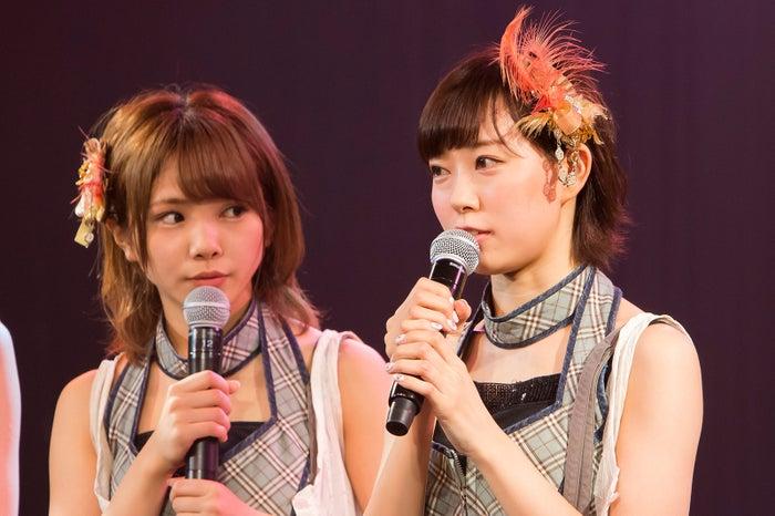 (右)渡辺美優紀(C)NMB48
