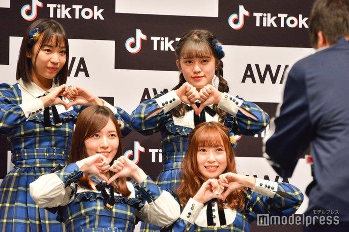 TikTokに挑戦する(左上から時計回り)日高優月、竹内彩姫、高柳明音、松井珠理奈 (C)モデルプレス