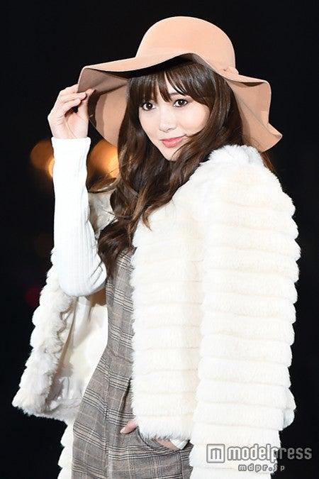 「第21回 東京ガールズコレクション2015 AUTUMN/WINTER」に出演した白石麻衣【モデルプレス】