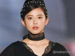 朝比奈彩、美デコルテに黒レース際立つ 色っぽフェミニン秋コーデ披露<関コレ2019A/W>