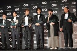(左から)草なぎ剛、稲垣吾郎、香取慎吾、斎藤工、佐藤天彦、秋山竜次(C)モデルプレス