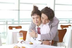 高橋一生、久本雅美にバックハグ 美術館デートに招待