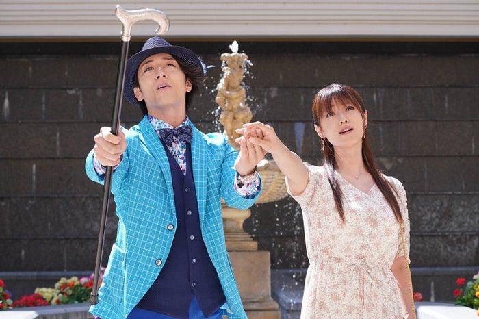 大貫勇輔、深田恭子「ルパンの娘」第1話より(C)フジテレビ