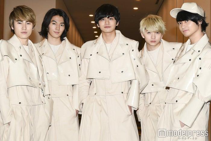 DISH//(左から)泉大智、矢部昌暉、北村匠海、小林龍二、橘柊生 (C)モデルプレス