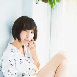 モデルプレス - 人気声優・佐倉綾音、太ももあらわなパジャマショットに胸キュン