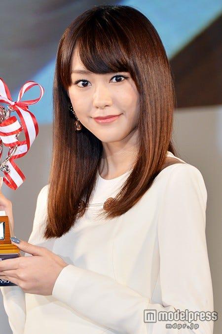 """AKB48の""""推しメン""""を明かした桐谷美玲【モデルプレス】"""