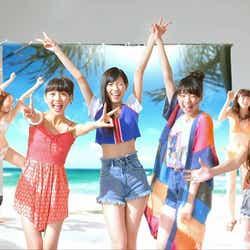 モデルプレス - Popteen志田友美ら「夢アド」と水着美女が歌って踊る 新曲の全貌発表