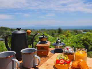 静岡「ホテルアンダピング」客室や食でグランピング気分、森の中のテラスや温泉付き