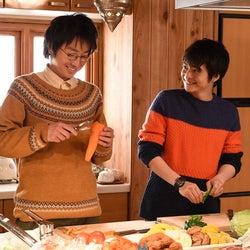 藤原竜也、小池徹平/『リバース』第2話より(画像提供:TBS)