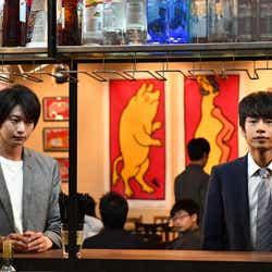 向井理、中丸雄一/「わたし、定時で帰ります。」第7話より(C)TBS