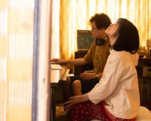 『かそけきサンカヨウ』展がLITTLE SPICE THE CAFE ミライにて開催中、今泉力哉監督『his』上映&トークライブも