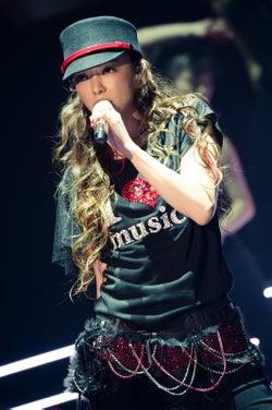 安室奈美恵、ラストステージの全貌 山下智久もサプライズ登場で会場騒然<レポ・セットリスト>