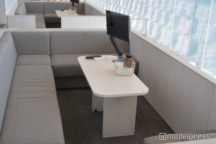 プレミアム指定席ソファーボックス(4名/最大6名)4席 6,000円(C)モデルプレス