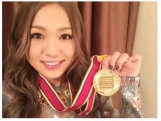 西野カナ、「有線音楽優秀賞」受賞で喜び爆発!メダルも公開