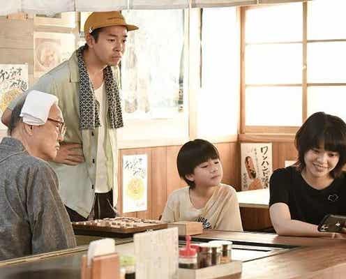 """<#家族募集します>佐久間P&岩崎Pが撮影の裏話を告白「""""(海に)入りますよね?""""みたいな目をしてきて」【インタビュー後編】"""