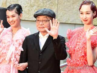 水原希子&佑果姉妹、SEXY美脚&美背中に釘付け<第32回東京国際映画祭>