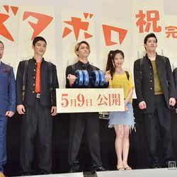 (左から)木村祐一、堀井新太、永瀬匡、清水富美加、成田瑛基、橋本一監督