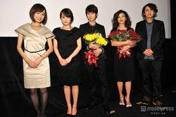(左から)及川奈央、藤原令子、本郷奏多、石田えり、時川英之監督