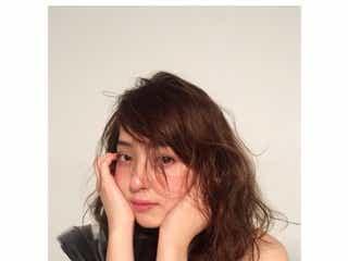 佐々木希の美肌に注目集まる「お肌ちゅるちゅる」「美しすぎる」の声