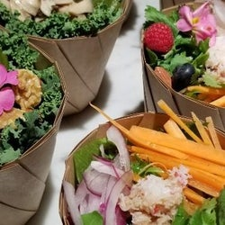 ハワイで人気のサラダ専門店「アロハサラダ」でヘルシー&フレッシュな野菜を摂取