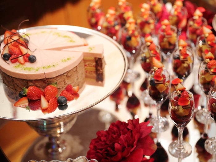 STRAWBERRY RED BUFFET 2021/画像提供:ラスイート