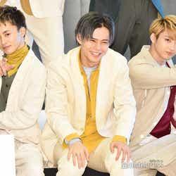 左から:草川拓弥、小笠原海、村田祐基 (C)モデルプレス