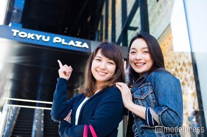 東急プラザ銀座外観/モデル:比留川良子、百済友希(C)モデルプレス