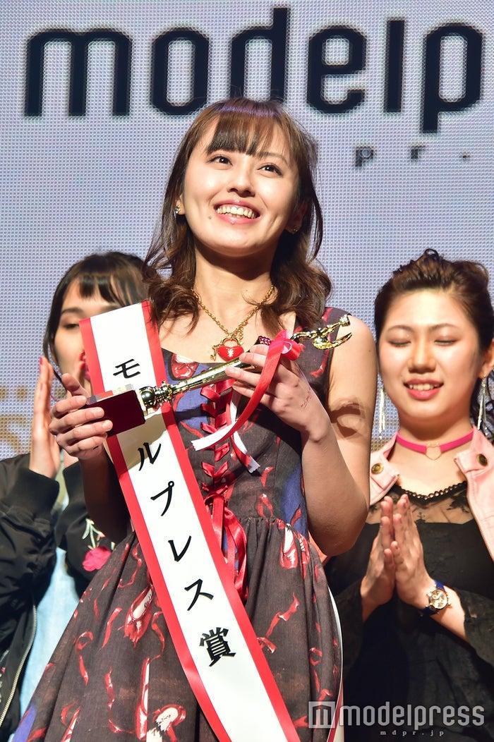 モデルプレス賞を受賞した入澤優さん(C)モデルプレス