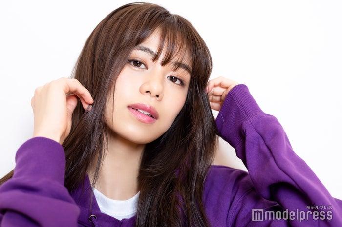 モデルプレスのインタビューに応じた佐藤晴美(C)モデルプレス